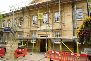 http://www.swscaffolding.co.uk/wp-content/uploads/2015/06/south-west-scaffolding-facilities-maintenance-320x214.jpg