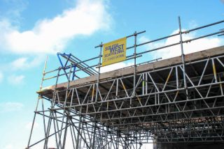 http://www.swscaffolding.co.uk/wp-content/uploads/2015/06/south-west-scaffolding-indistrial-320x214.jpg